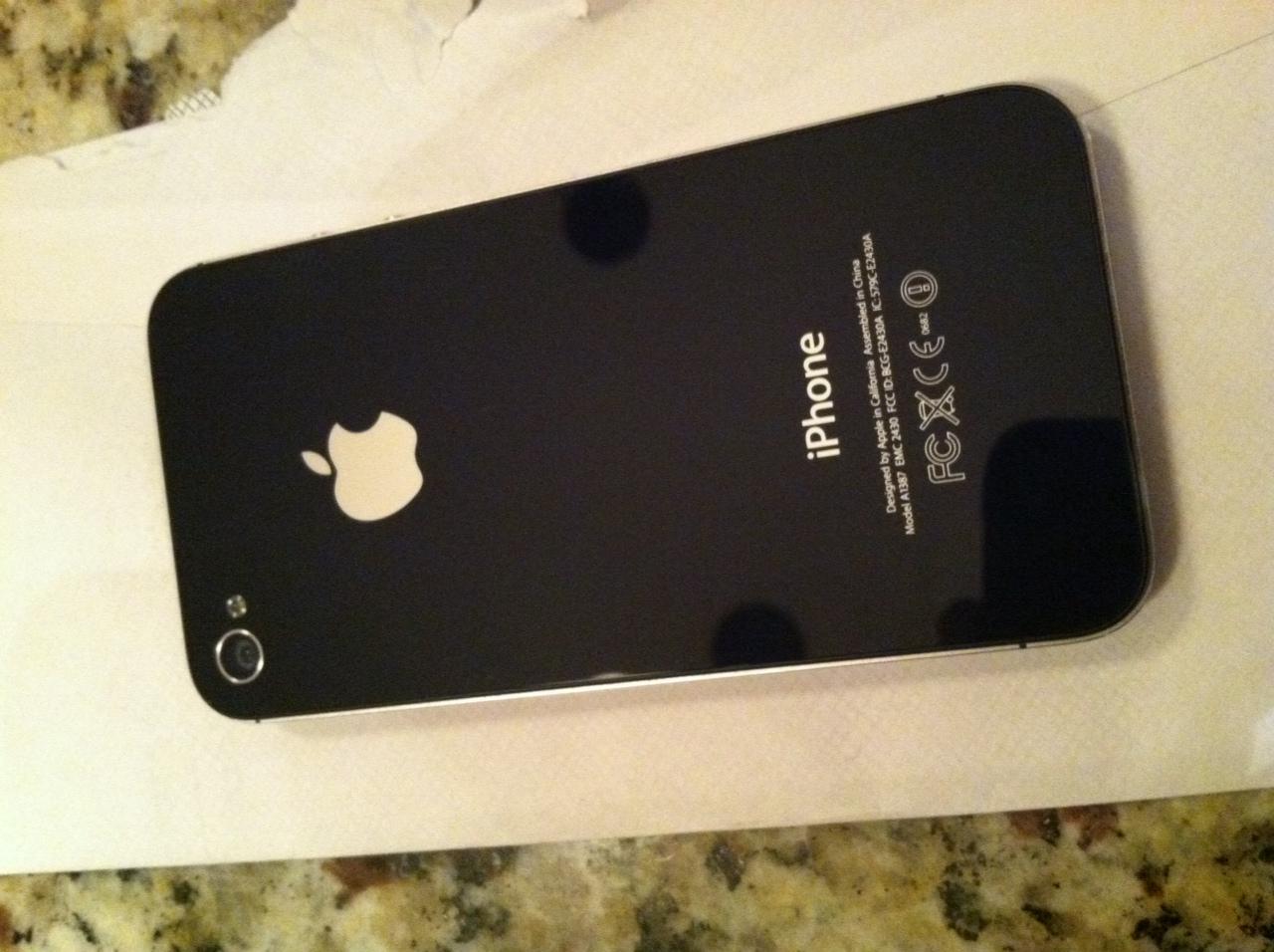 Iphone 4 Black Used iphone 4 black 32gb fa...