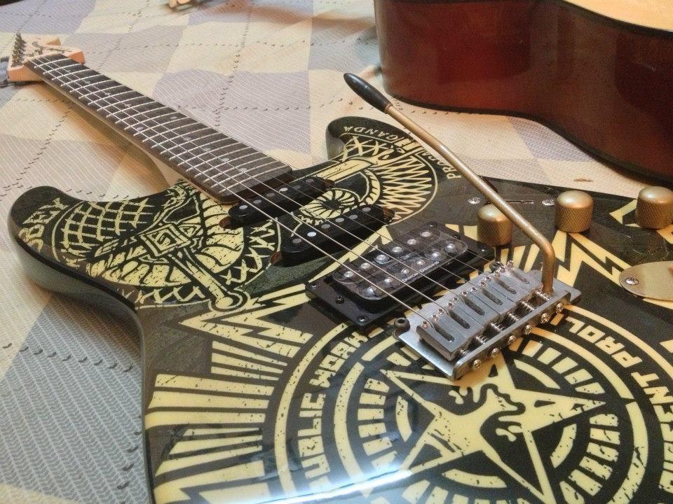 squier obey hss stratocaster electric guitar clickbd. Black Bedroom Furniture Sets. Home Design Ideas