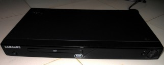 Samsung DVD player with 200 DVDs