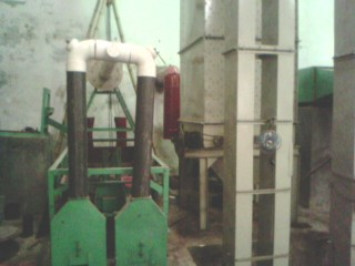 Automatic daal mill