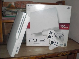 160gb Playstation 3 white limited edition