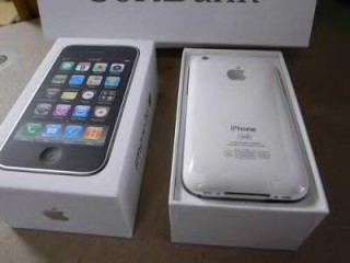 iphone 3gs 16gb white  full boxed factory unlock