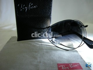 Exclusive Ray Ban Aviator Sunglasses at retail price