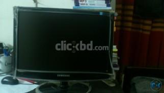 Samsung Sync Master 733Nw