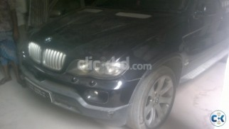 BMW X5 2004 V8 engine 4800 cc Black color. Fully Loaded Car