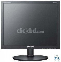 Urgent Samsung 17 LCD Square Monitor. Contact 01685268464