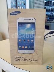 Samsung Galaxy S4 Mini (8GB)-Black/White - From UK