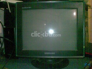 SAMSUNG 15 CRT Color Monitor