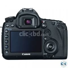Canon EOS 5D Mark III with Canon 24-105mm