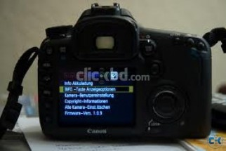 Canon eos 7D with a 18-135 lens less then 10000 click