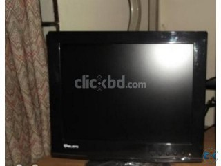 Looking New 16inc Lcd Monitor only 2500