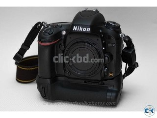 Nikon D600 with battery grip and 2 Nikon battery