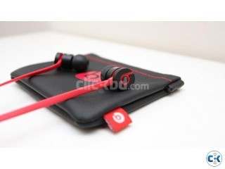 urBeats Headphone Intact With Warranty Card