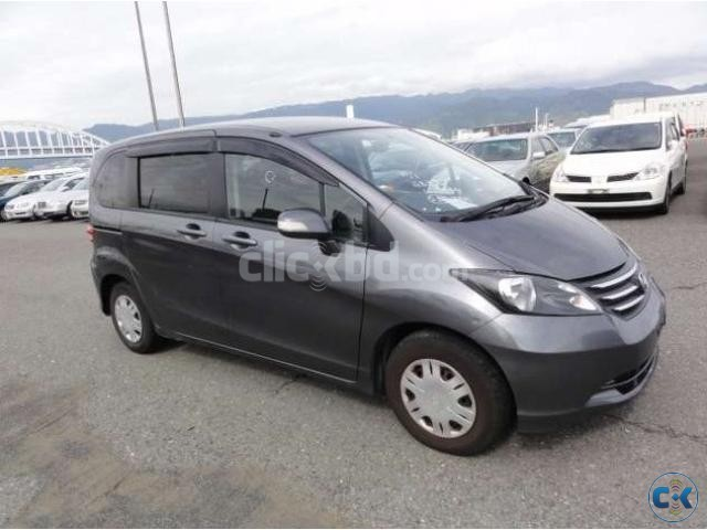 Honda freed 2008 Grey 7 seater | ClickBD large image 0