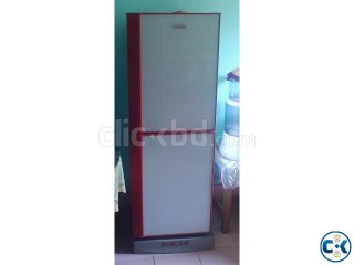 Singer fridge almost new condition..
