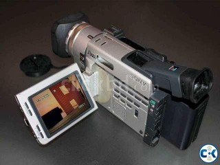 Sony 3 CCD Mini DV Camcorder