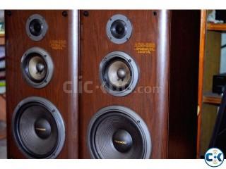 DAWEOO BASS REFLEX 3 WAY TOWER SPEAKER SYSTEM 40 KG.