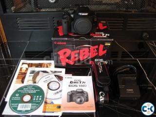 Canon Rebel T2i 550D with Kit Lens 18-50 IS II DSLR