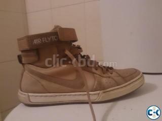 Nike Air FlyTop