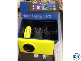 Brand New Nokia Lumia 1020 UK