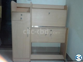 Reading Table with multi lockers