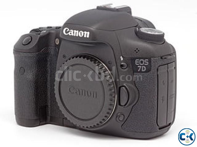 Canon EOS 7D with 18-135mm | ClickBD large image 1