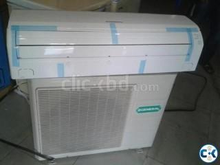 It goes by itself GENERAL brand 1 ton split AC