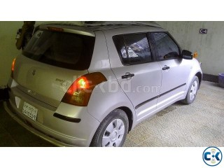 Suzuki swift 2008 silver fresh like brand new 17 km ltr