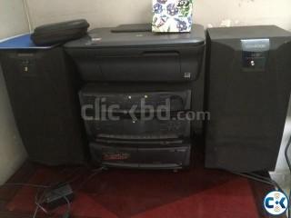 Kenwood sound system 1500 watt speakers each