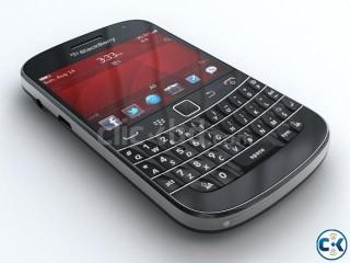 Brand New BLACKBERRY BOLD 9900