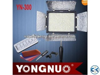 YN-300II Video Pro LED Light............... CAMERA VISION