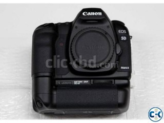 Canon EOS 5D Mark ii with original battery grip
