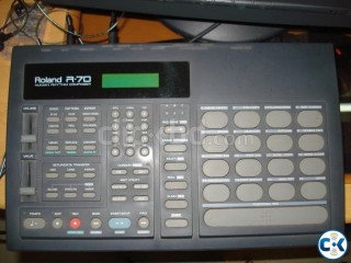 Roland R70 Drums Machine