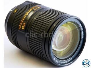 NIKON 18-300mm f 3.5-5.6g af-s dx nikkor lens