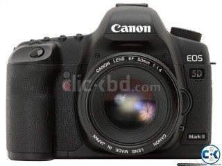 Canon 5D Mark II with LENS Studio Light Beauty Dish Softbox