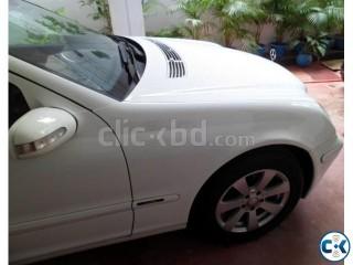 Mercedes Benz 200 at gulshan