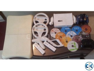 Modded Wii With 12 Games And Lots Of Accesories