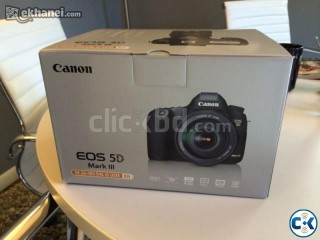 Canon 5D Mark 3 22.3MP DSLR Camera Body