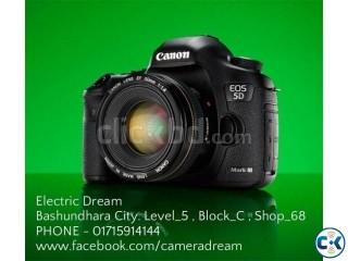 Canon EOS 5D III body.ELECTRIC DREAM .