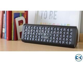 CREATIVE MUVO 20 Portable Wireless Speaker with NFC