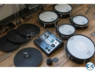 ROLAND STAGE ELECTRONIC DRUM SET. Made in USA New Condition
