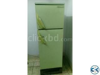 Hitachi 8.5 CFT fridge