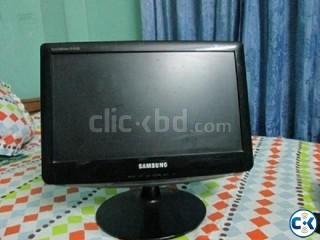 SAMSUNG LCD MONITOR 17