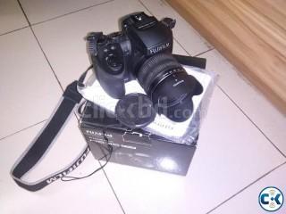 Fujifilm finepix HS35EXR Semi DSLR
