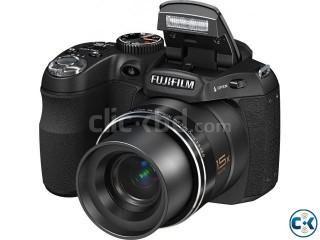 semi DSLR fujifilm fine pix s1600