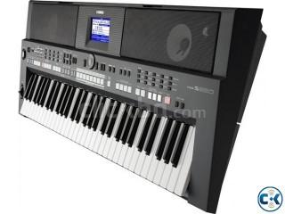 Yamaha PSR S-650