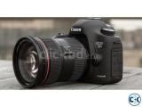 CANON EOS 5D Mark III Camera with 24-105 mm Lens
