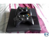 X BOX 360 with 2 orginal controllers