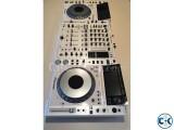 2x Pioneer CDJ-2000 Nexus 1x DJM-900 Nexus
