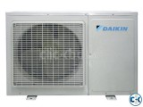 Wall Mounted Split Air Conditioner DAIKIN 2.5 ton